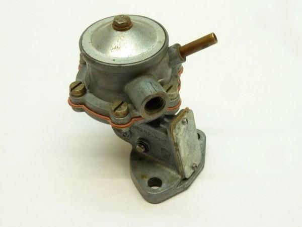 Benzinpumpe, mit Schraubanschluß an Saugseite, AX