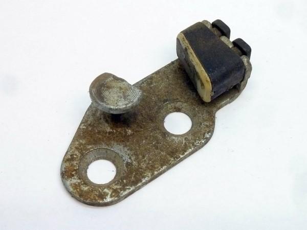 Schließplatte für hinteres Schloß, rechts, mit eingeknöpftem Gummikeil, A3
