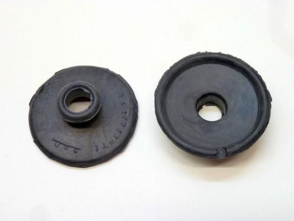 Dichtungen für Kupplungs-/ Bremspedalstangen, unten, Paar, A1