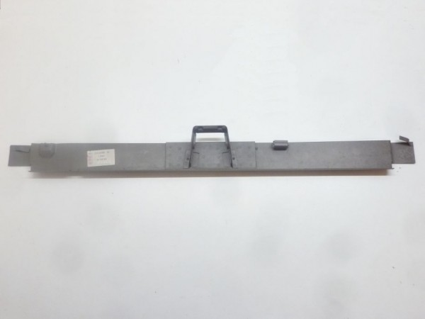 Innenblech für Querträger unter Motorklappe, A1/NOS