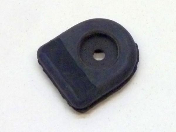 Gummitülle für Benzinschlauch im vorderen Motorabdeckblech, A1