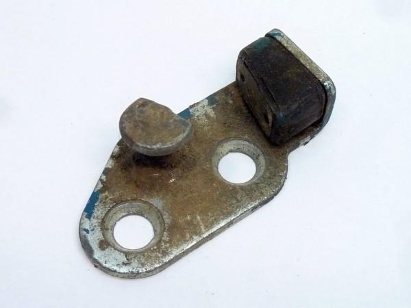 Schließplatte für hinteres Schloß, rechts, mit angeschraubtem Gummikeil, A3