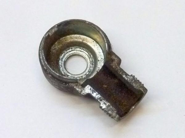 Gehäuse f. Kabelanschluß an Lichtmaschine, links unten, rund, A3